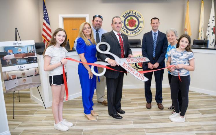 Council Chambers Ribbon Cutting